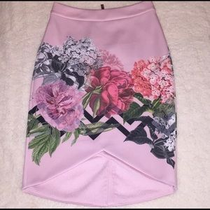Ted Baker London Skirts - Ted Baker London Soella Garden skirt Sz 1